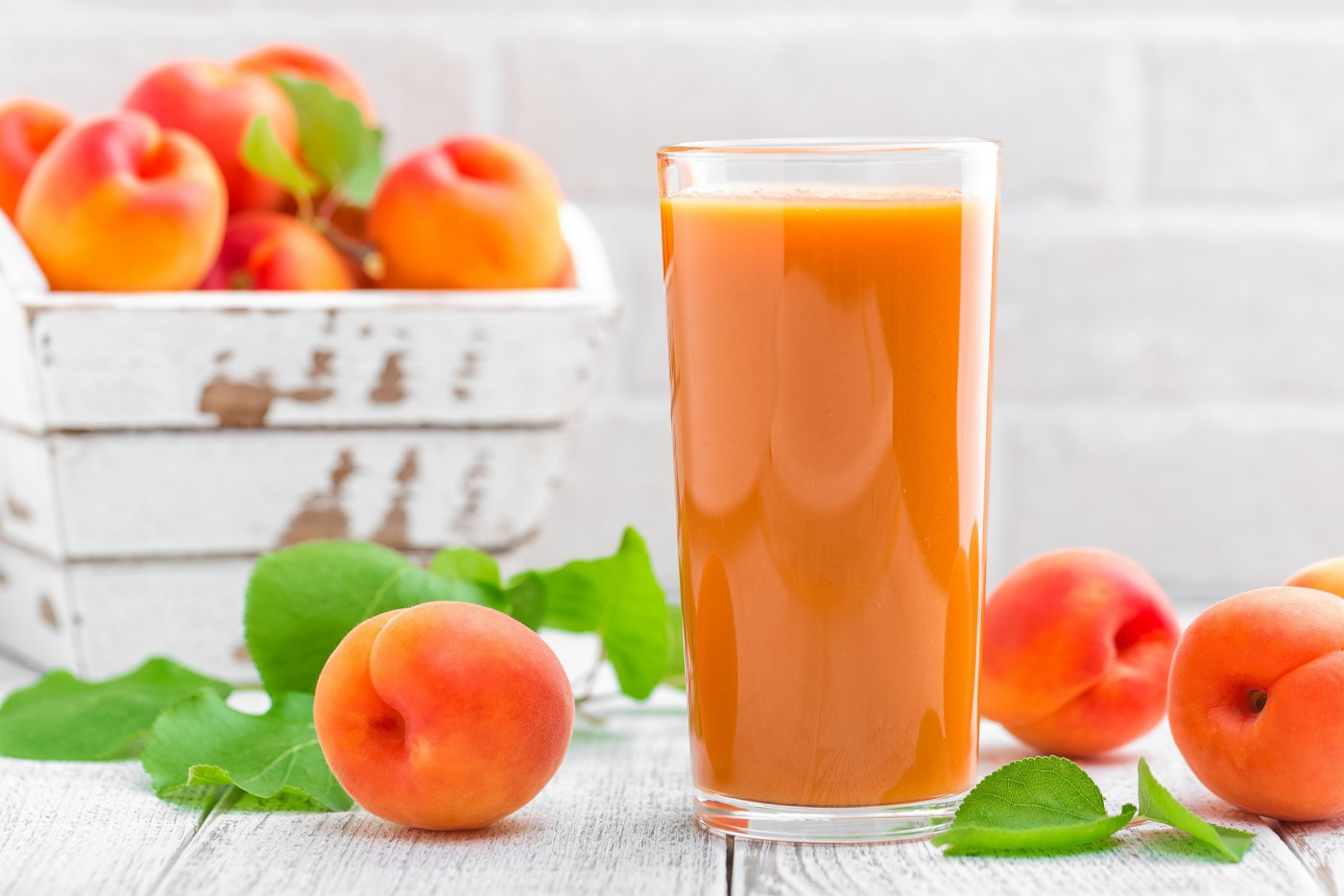Сок из абрикоса