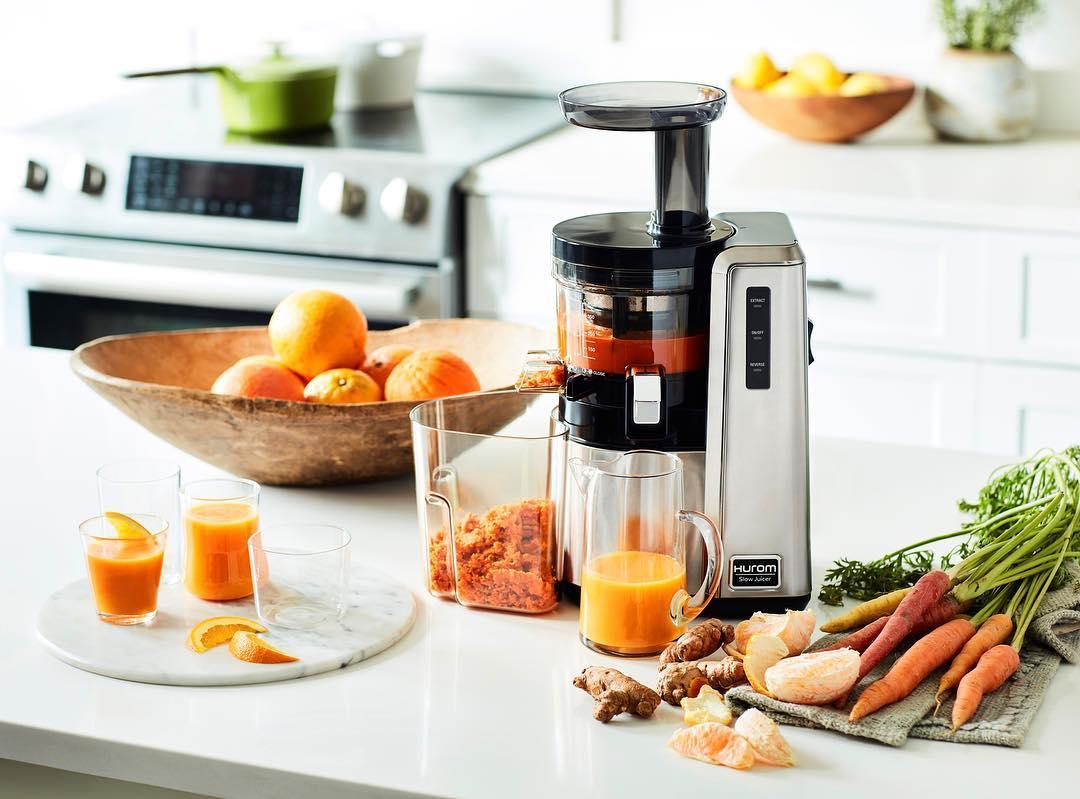 Морковный сок в соковыжималке